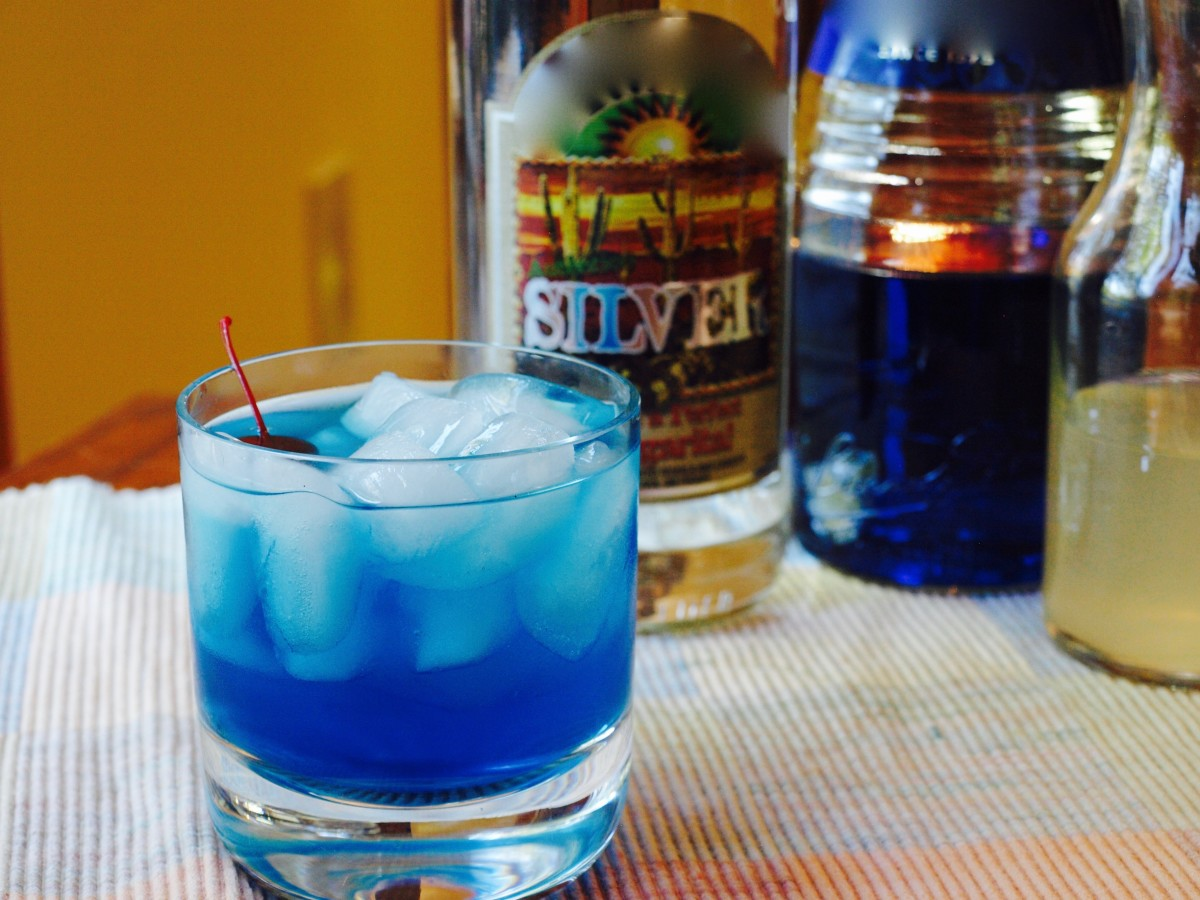 10 Delicious Blue Curaçao Cocktails | Delishably