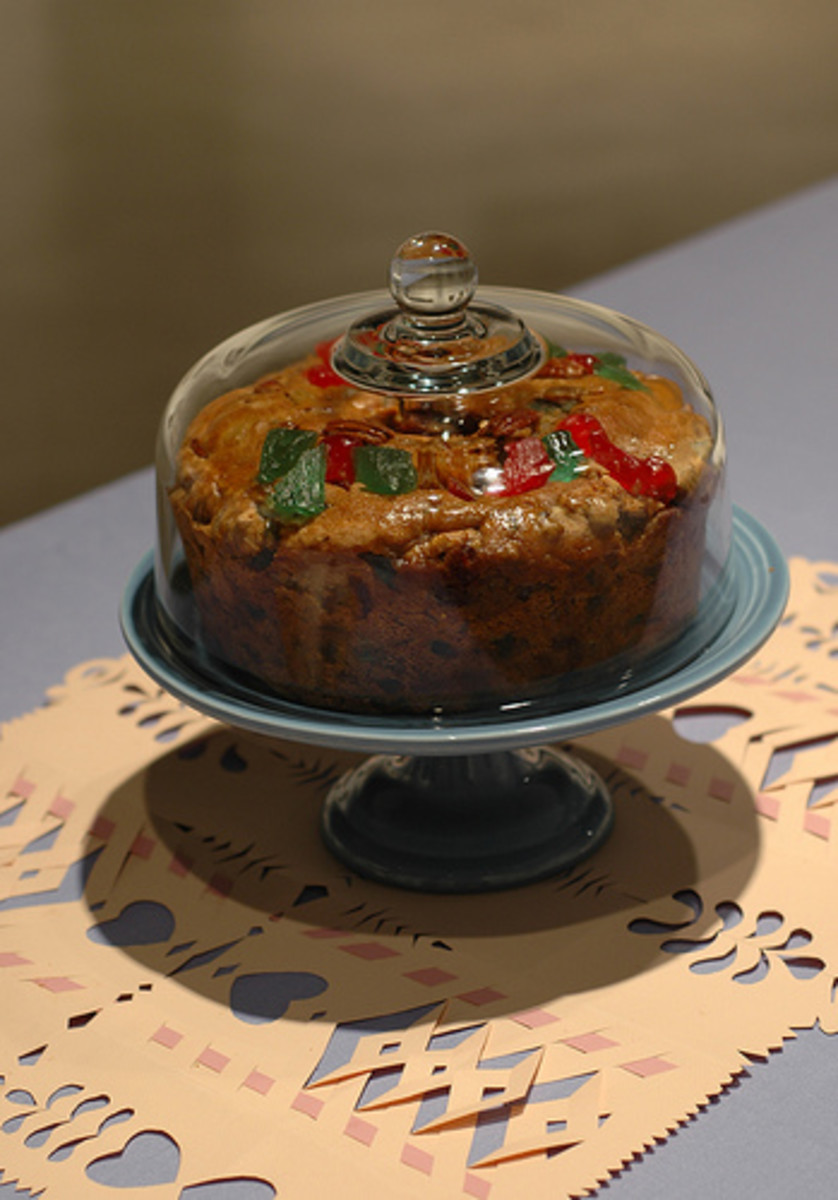 Note the huge chunks of candied fruit in this fruitcake—that's how it should be!