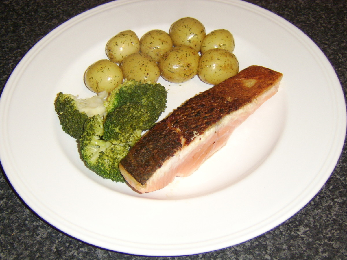 Pan Fried Fillet of Scottish Salmon With Dill Buttered Potatoes and Broccoli