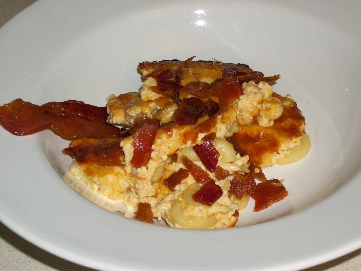 Mac & Cheese topped with bacon