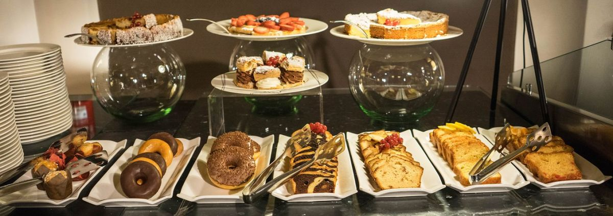 How To Eat Well At A Buffet A Sensible Guide Delishably