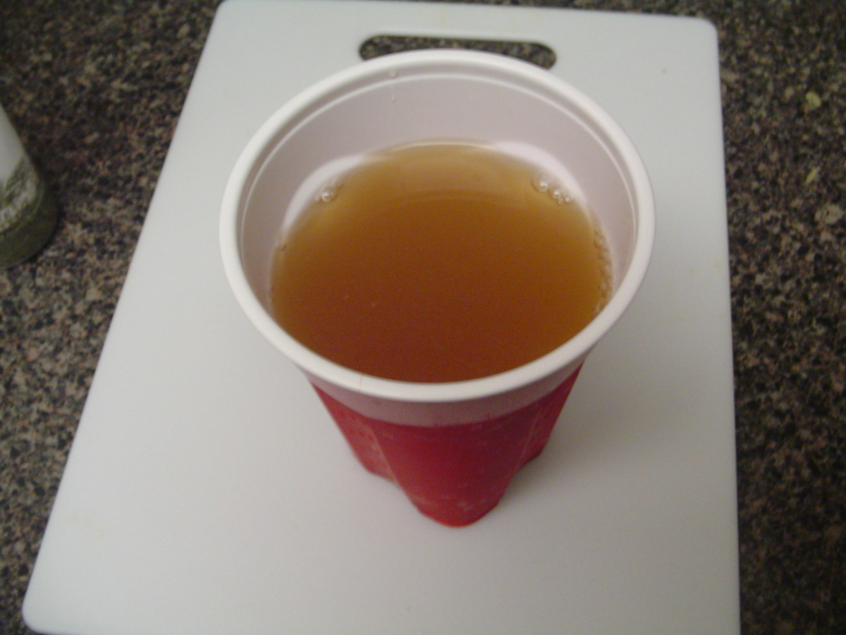 The completed drink is brown in color and is lightly carbonated (depending on whether or not you shook the fermenting container)
