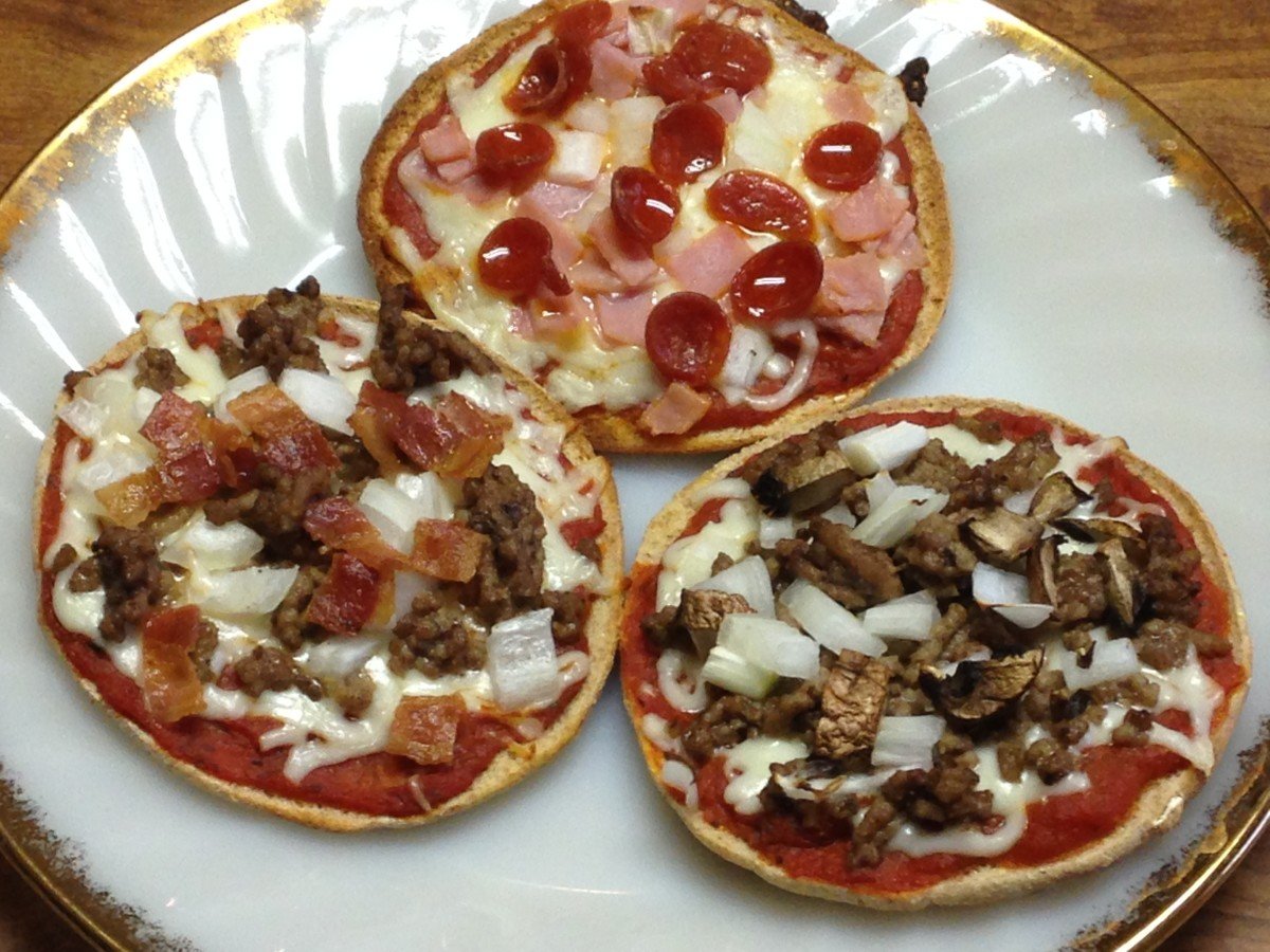 Meat pizzas:  Pepperoni, ham & onion; Hamburger, mushroom & onion; Hamburger, bacon & onion