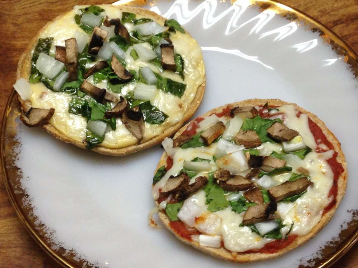 Can't decide between red sauce or white?  Do both. Spinach, mushroom, and onion pizzas with Alfredo sauce, and with tomato sauce.