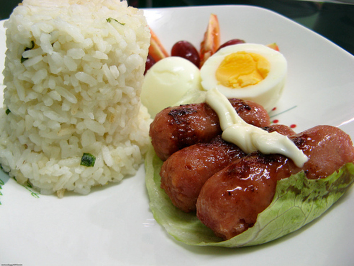 Garlic Fried Rice with Chorizo and Boiled Egg (Photo courtesy by dbgg1979 from Flickr.com)