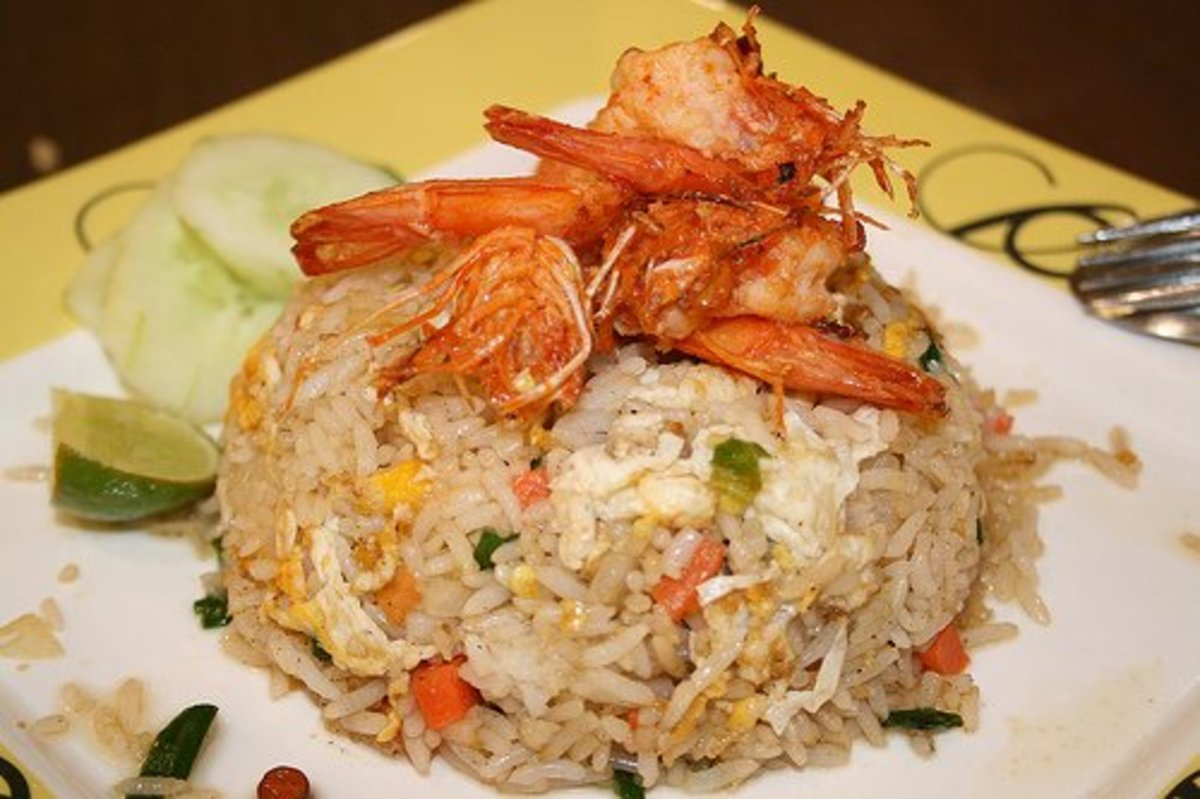 Fried Rice with Shrimps on Top (Photo courtesy by tarikadelmonem from Flickr.com)