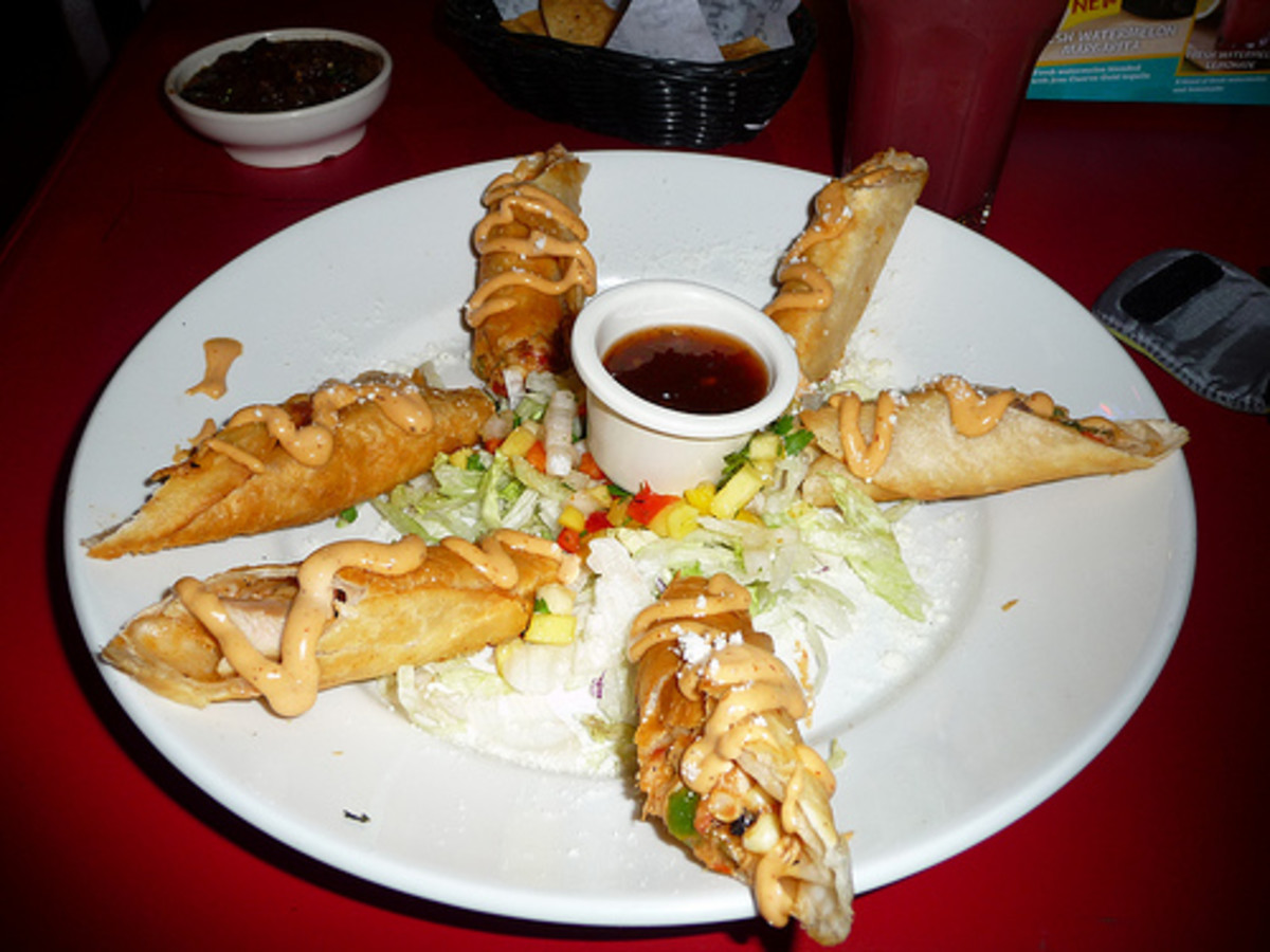Fan out the flautas in a star shape around the center.