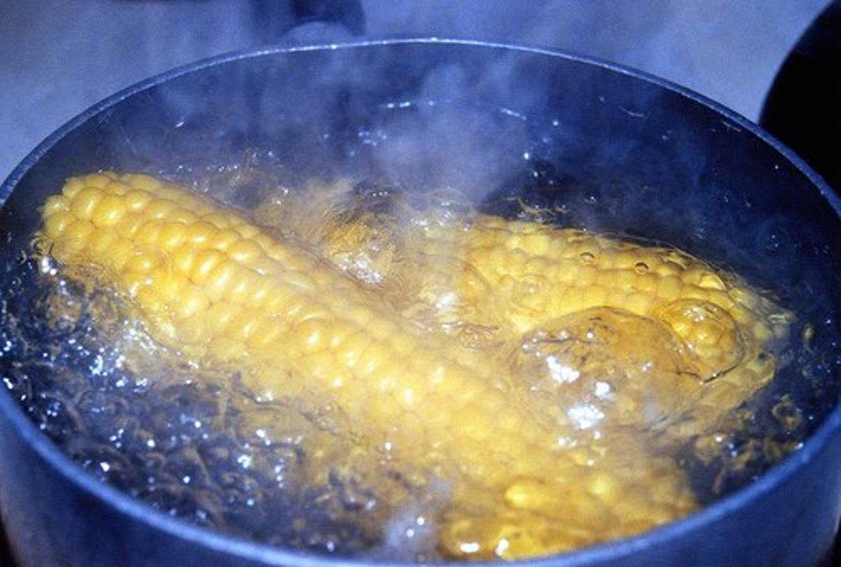 boiled corn ears