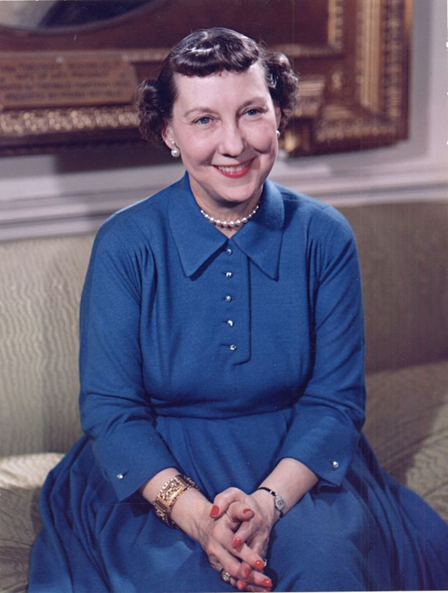 Mamie Eisenhower's photo taken in 1954 at the White House