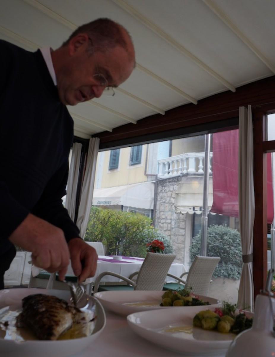 Service in Restaurant