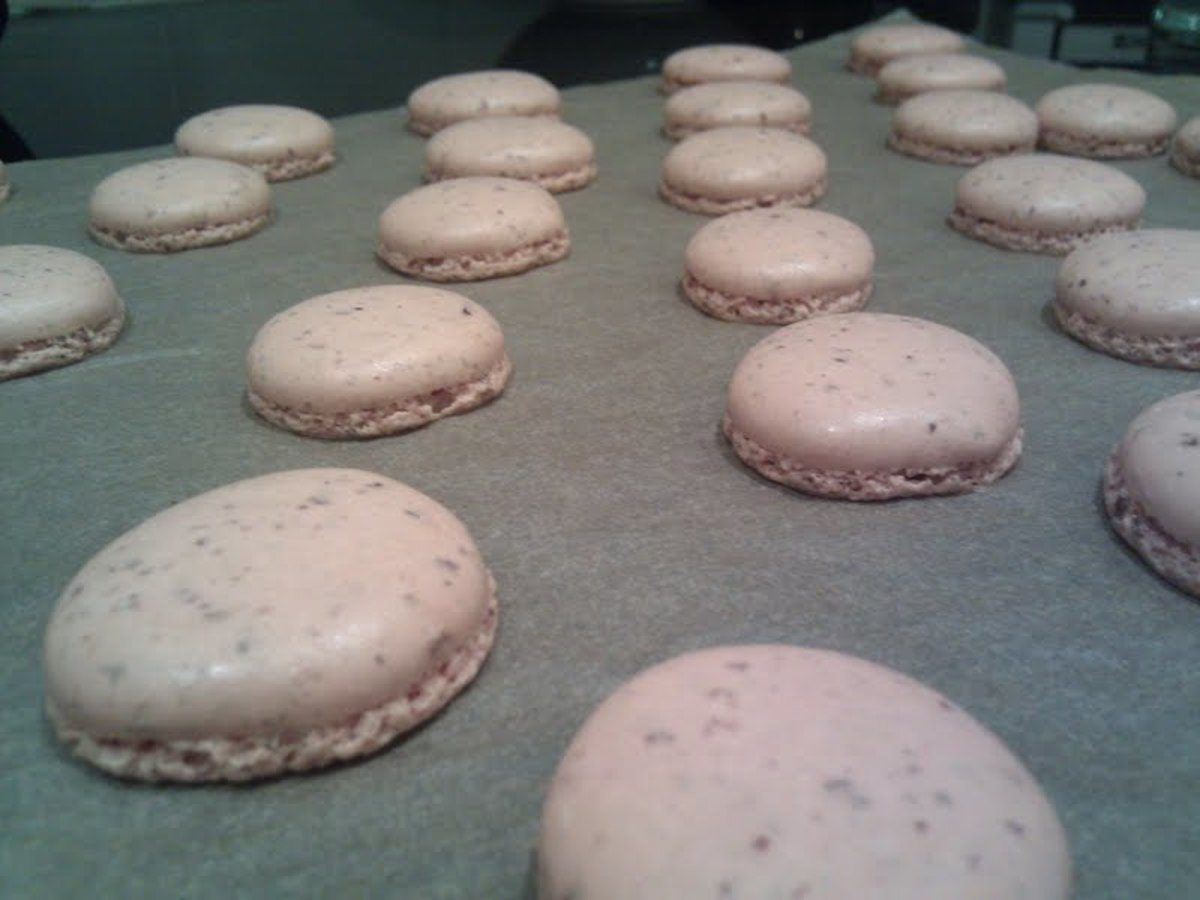"Your macarons should be flat on top, with ""feet""--the ruffly bottoms you see here."