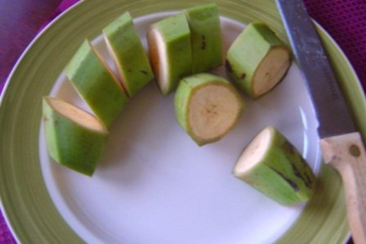 Green plantain slices