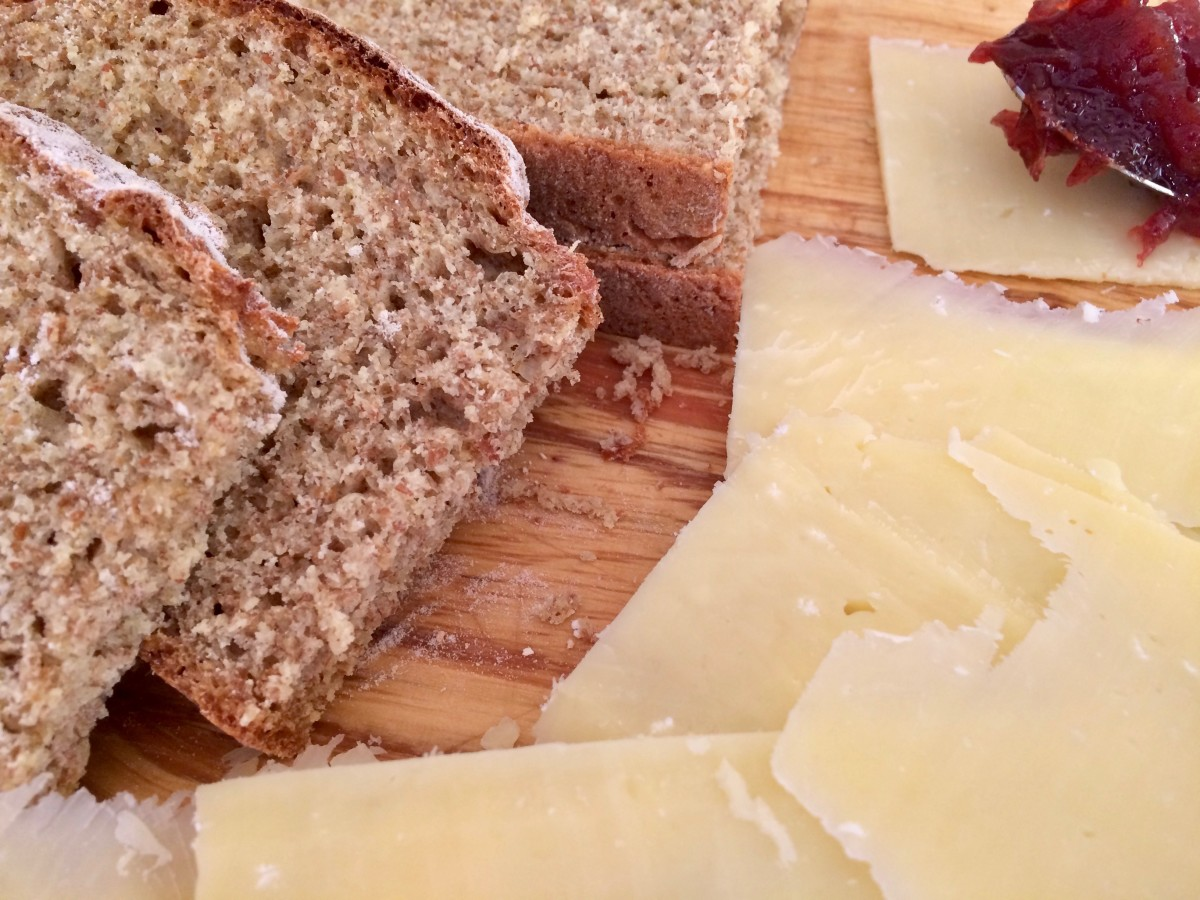 Serving suggestion: Brown soda bread with cheese and pickle