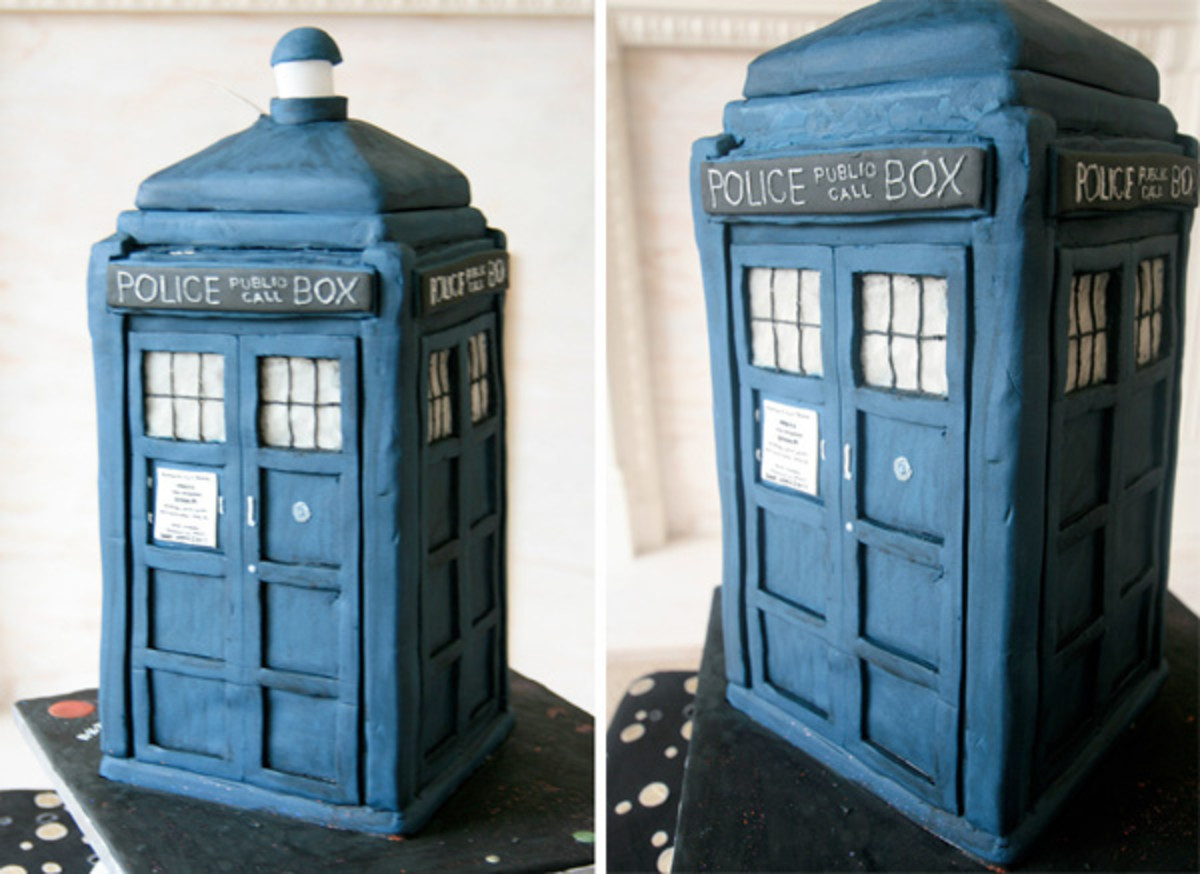 A tardis wedding cake is perfect for fans of Dr. Who!