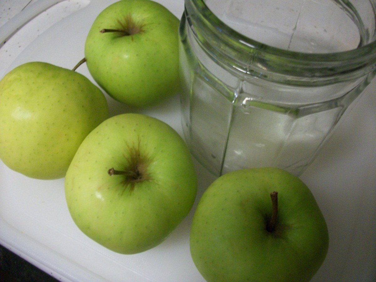 granny smith apples and a mason jar