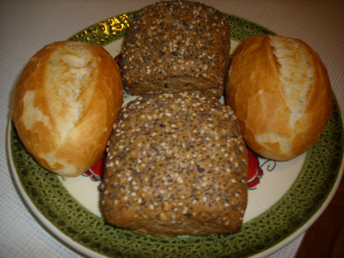 Rye Bread Rolls ( Vollkorn Broetchen) and White Bread Rolls (Broetchen)