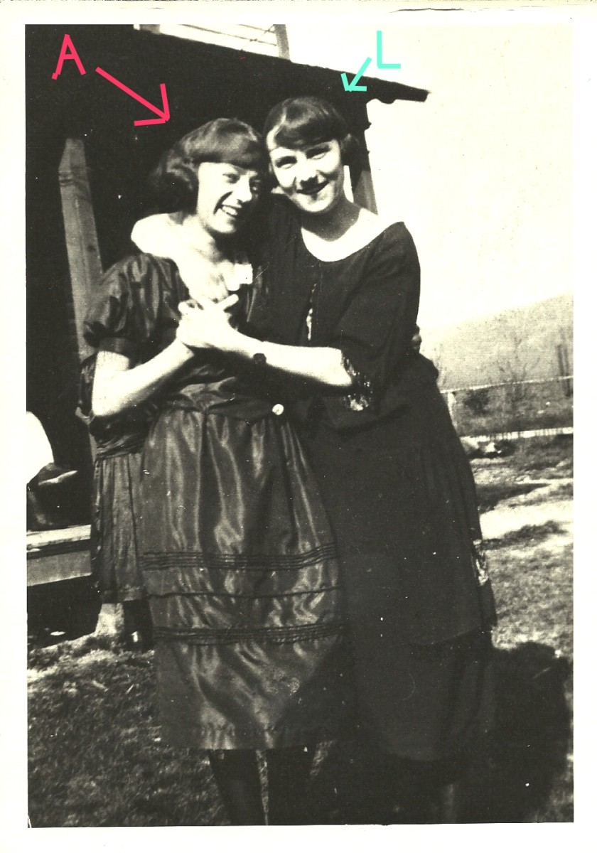 On the left with the letter A is Anna Worthington Sealy Richard, later to become a Morgan.  On the right is her older sister, Lillian.  I think this photo is circa 1918-1922.  Gramma Anna Morgan was born in 1903.