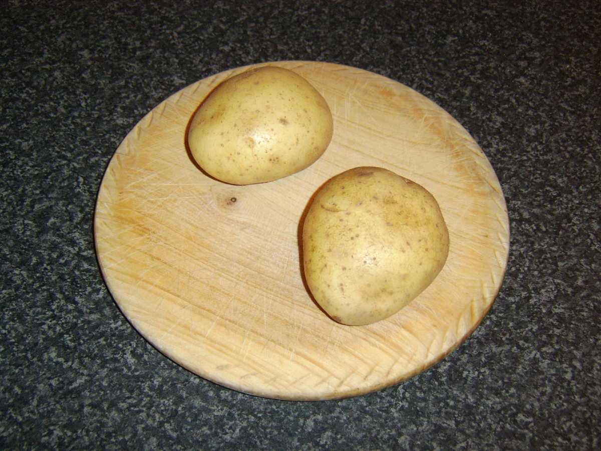 Two medium potatoes are required for one decent sized serving of mash