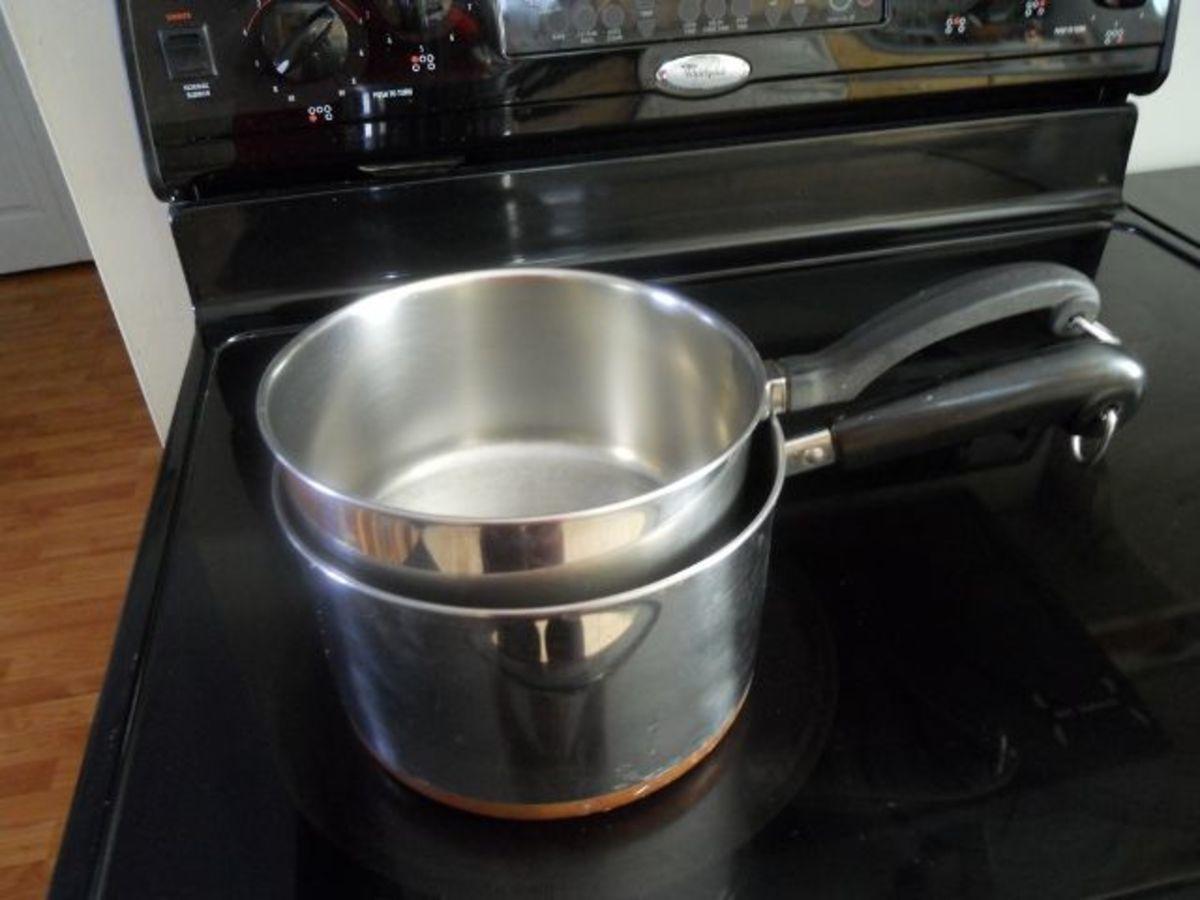 Makeshift double boiler for melting chocolate