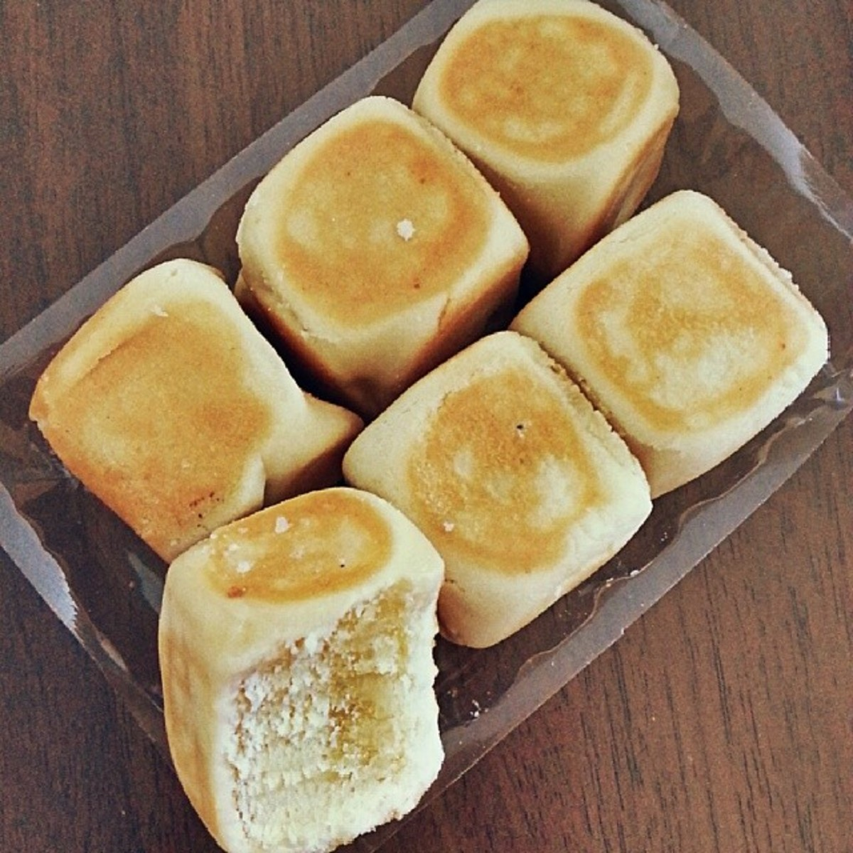Dice-shaped hopia with mung bean paste filling.