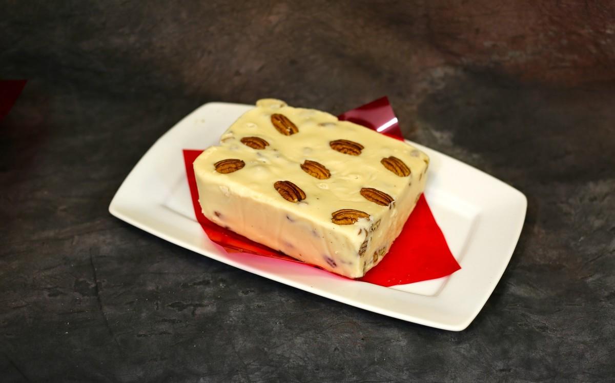 White chocolate pecan fudge
