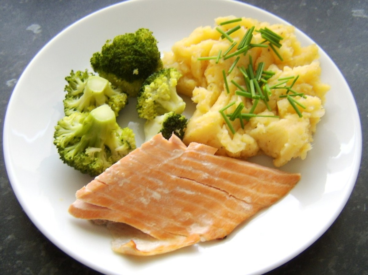 Hot smoked Scottish salmon with clapshot and broccoli