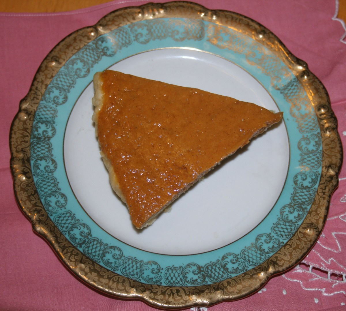 Here's Gin's Pumpkin Chiffon Pie in a pie crust made with vinegar.
