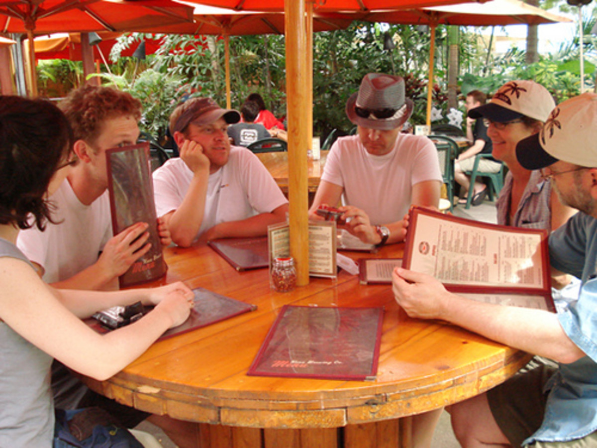 Kona Brew has big tables outside for large groups.