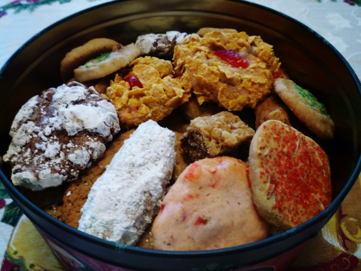 Assorted scrumptious homemade cookies readied for gift giving purposes.  Aren't they pretty!