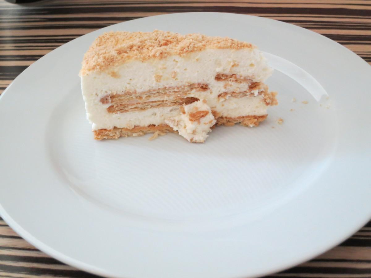 Bolo de Bolacha also comes as a cake