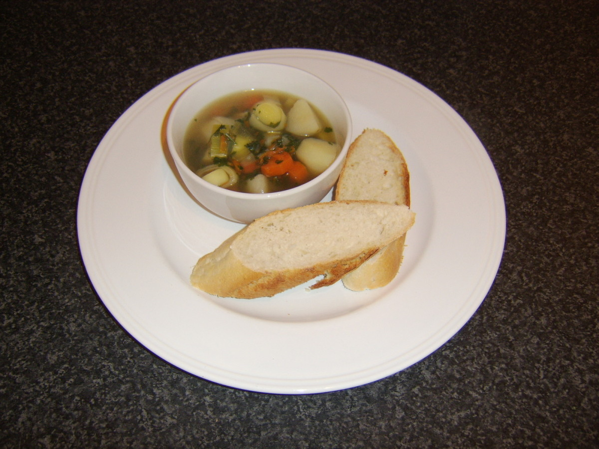 Quick and easy chicken and vegetable soup with dunkers