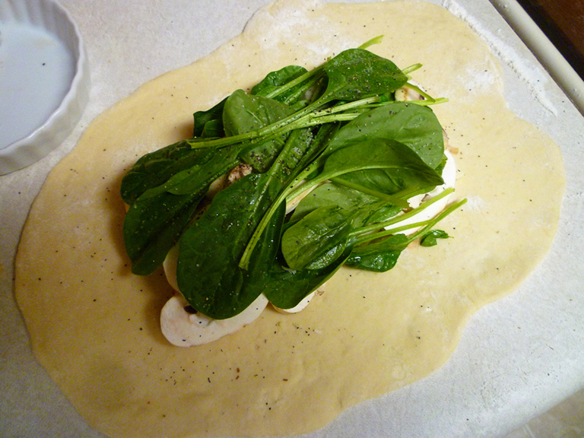 Arrange fillings evenly in the centre of the rolled-out dough.