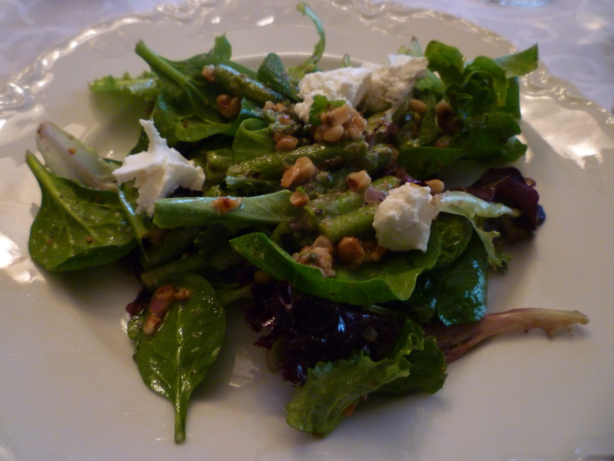 Mixed baby greens, ground walnuts, goat cheese, pieces crisp/tender asparagus & the French Roasted Walnut Oil along with a splash of white wine vinegar made for this tasty salad combination.