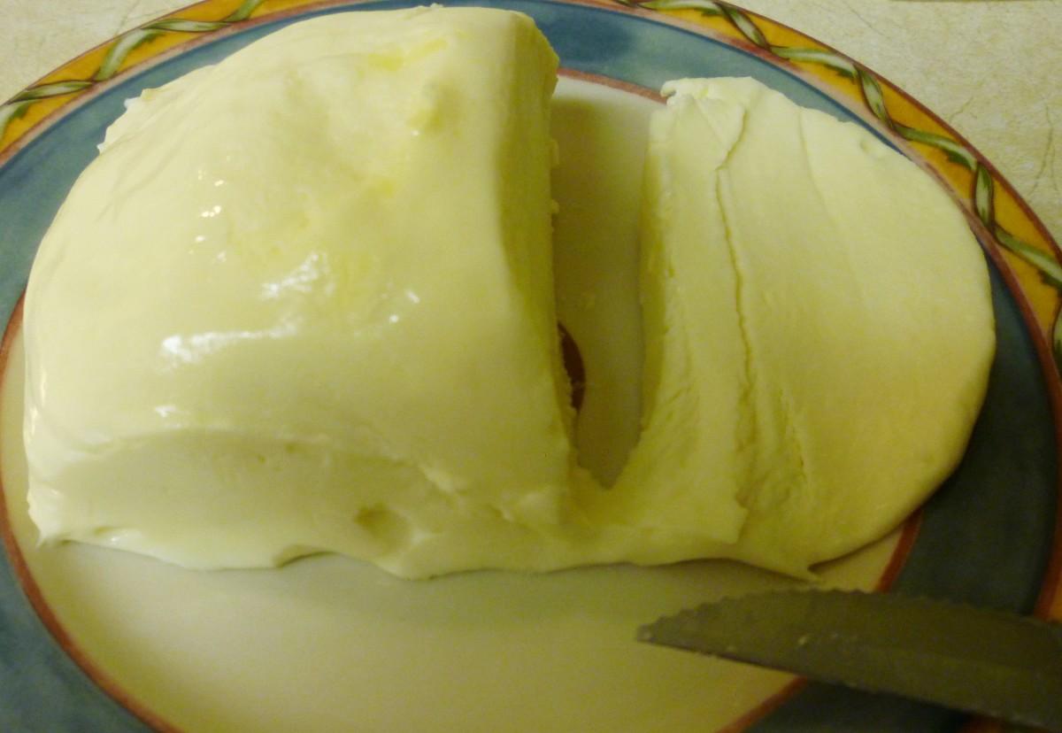 Cut the fresh mozzarella cheese