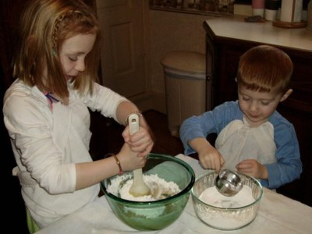 Add more flour and stir with two hands.