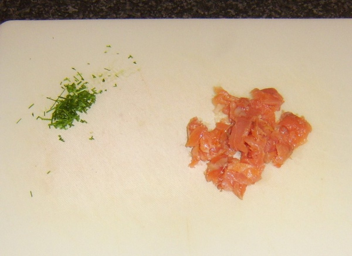 Chopped chives and smoked salmon