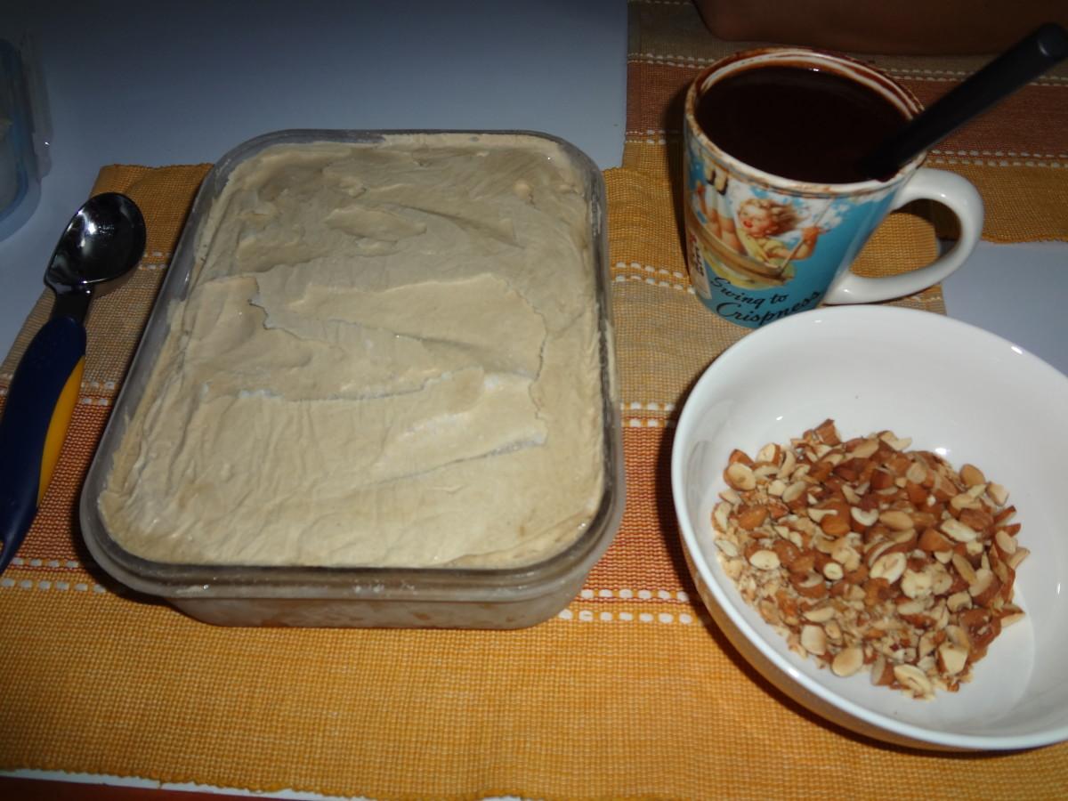 homemade-coffee-ice-cream-with-chocolate-sauce