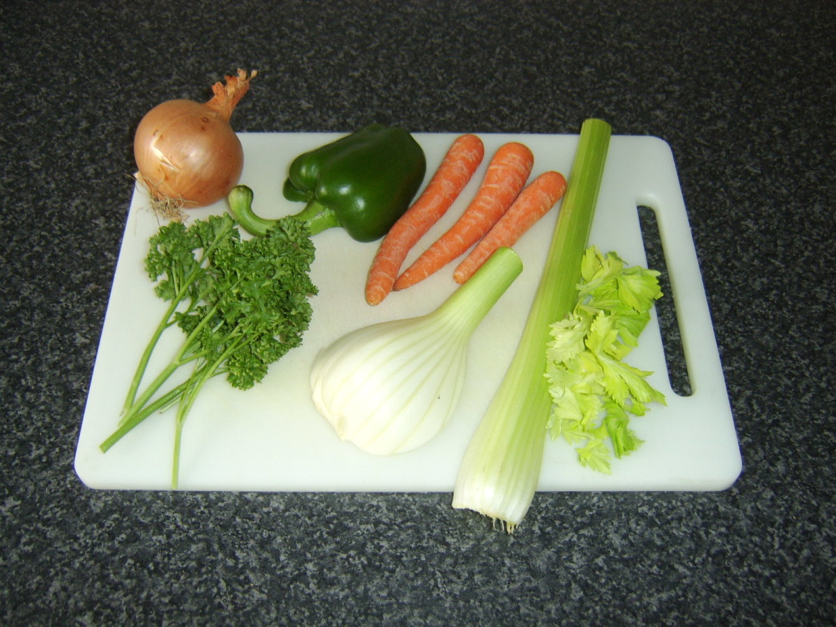Vegetables and principal herbs used in this vegetable stock preparation