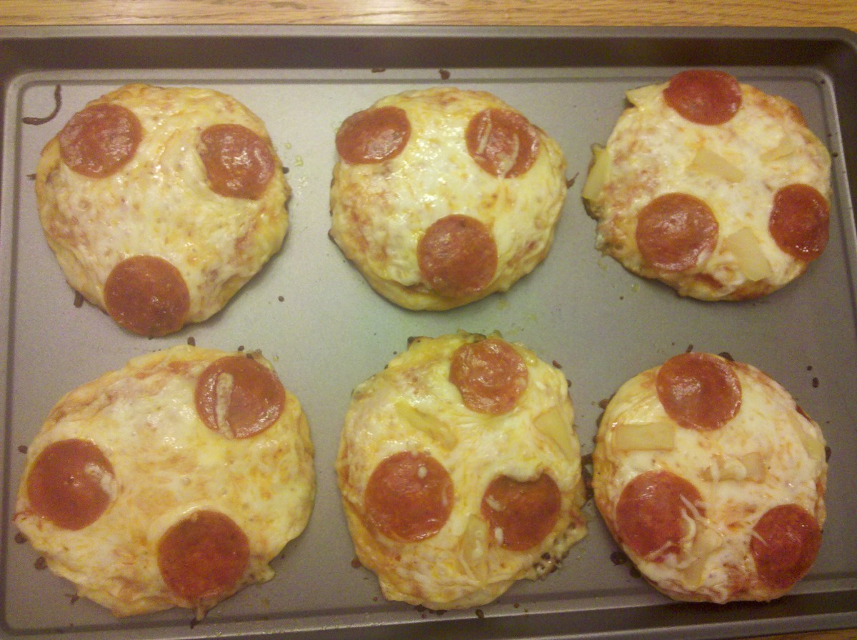 Our finished pepperoni and pineapple pizzas!