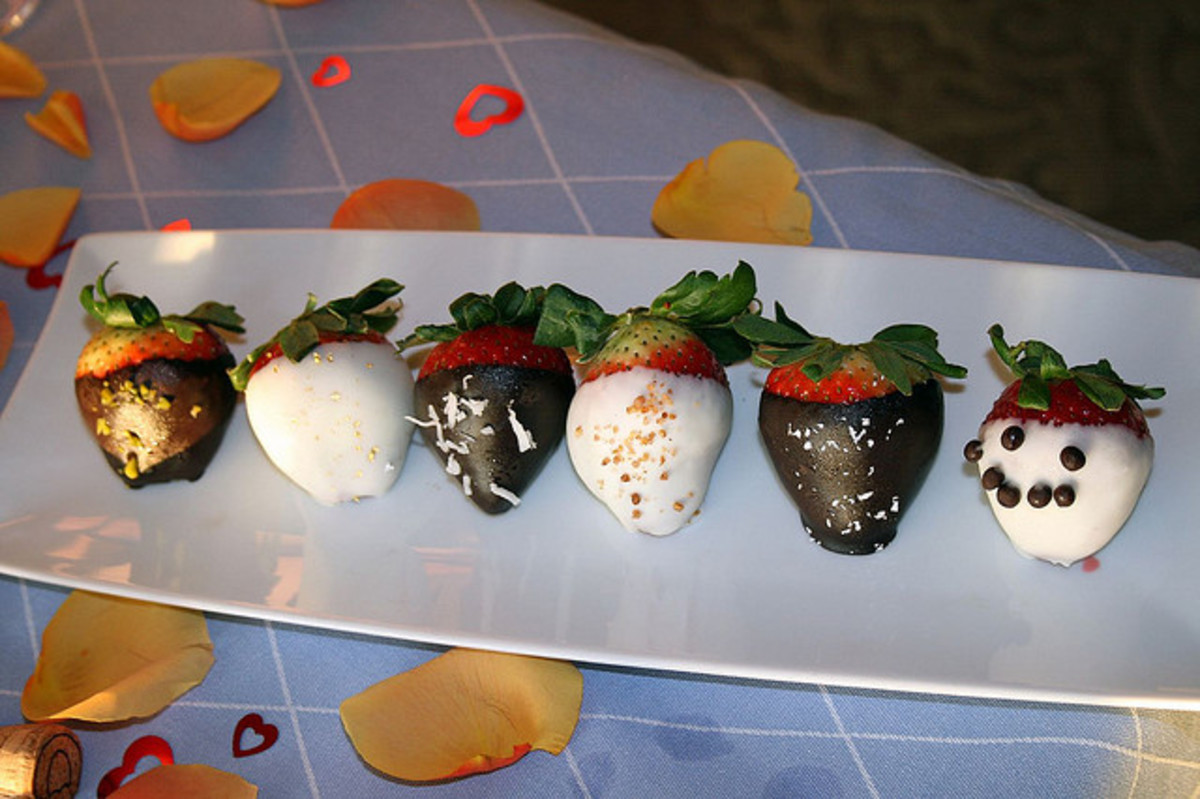Dark and White Chocolate Dipped Strawberries