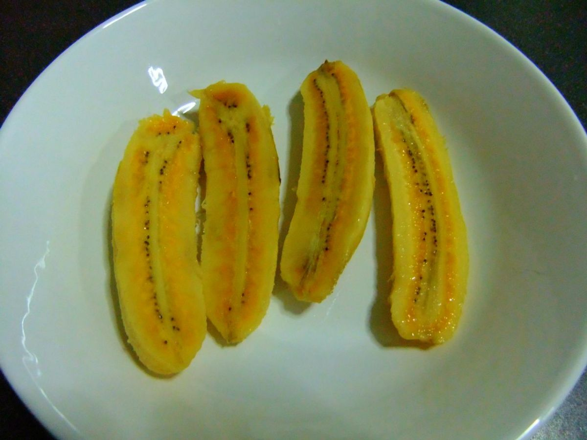 Bananas to be peeled and slice in halves. Personally I like banana fritters that are serve this way.