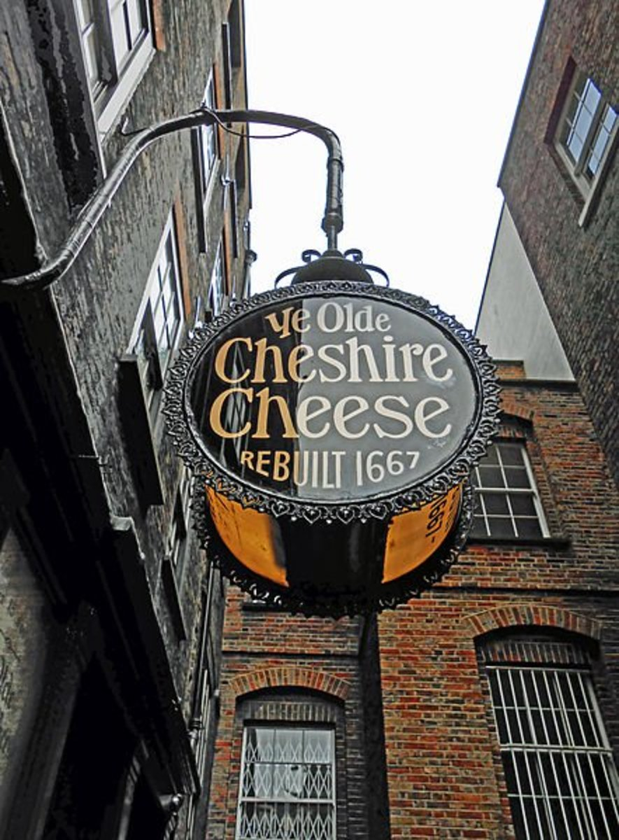 The sign for Ye Olde Cheshire Cheese