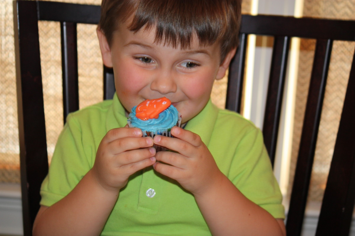 Kids love these under the sea cupcakes and get to keep a fun water squirter when they are done!