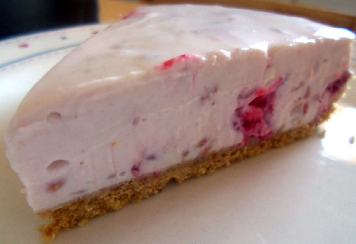 Raspberry and honey cheesecake