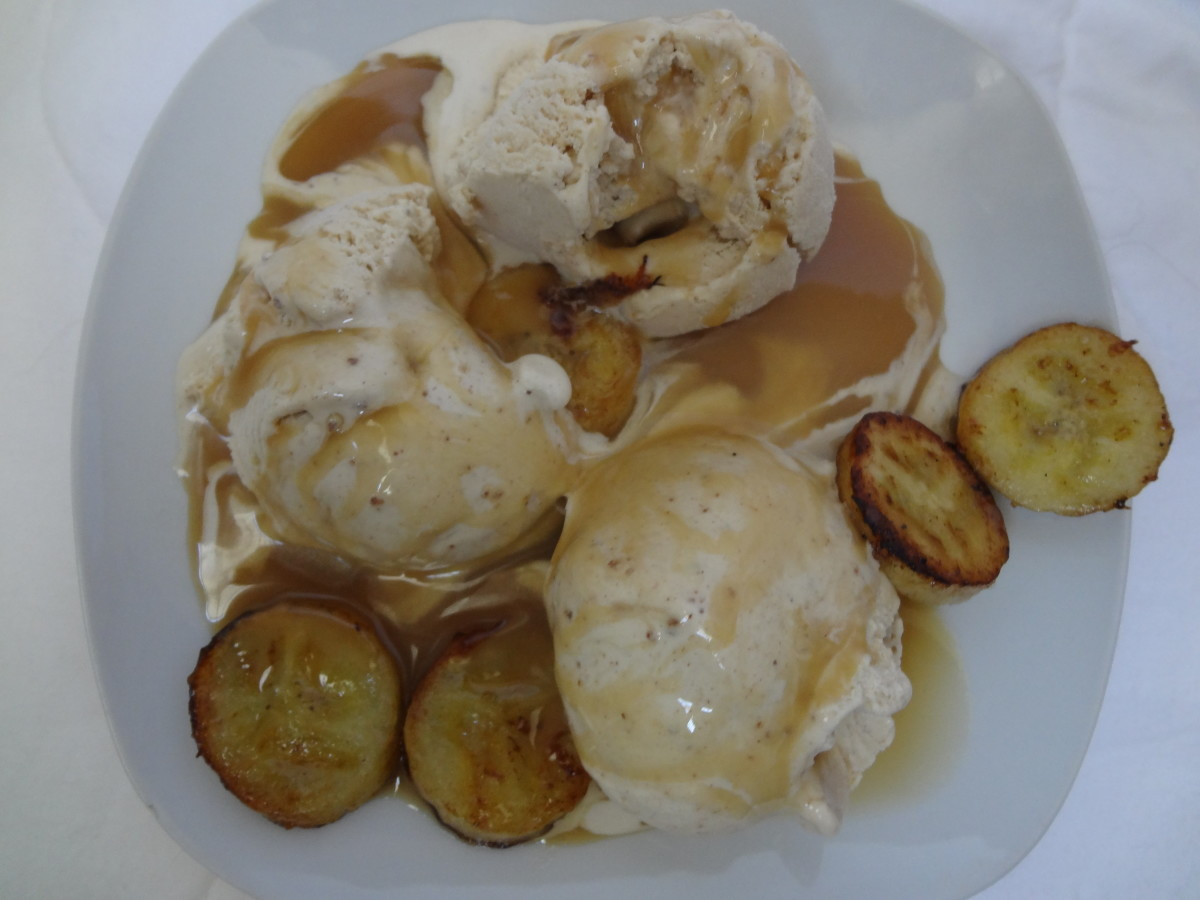 Horchata Ice Cream with Bananas and Butter Caramel Sauce