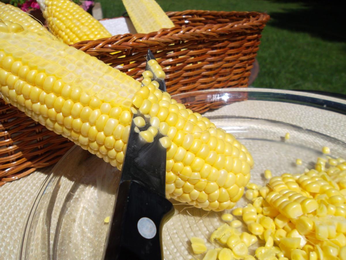 Slice uncooked corn right off the cob