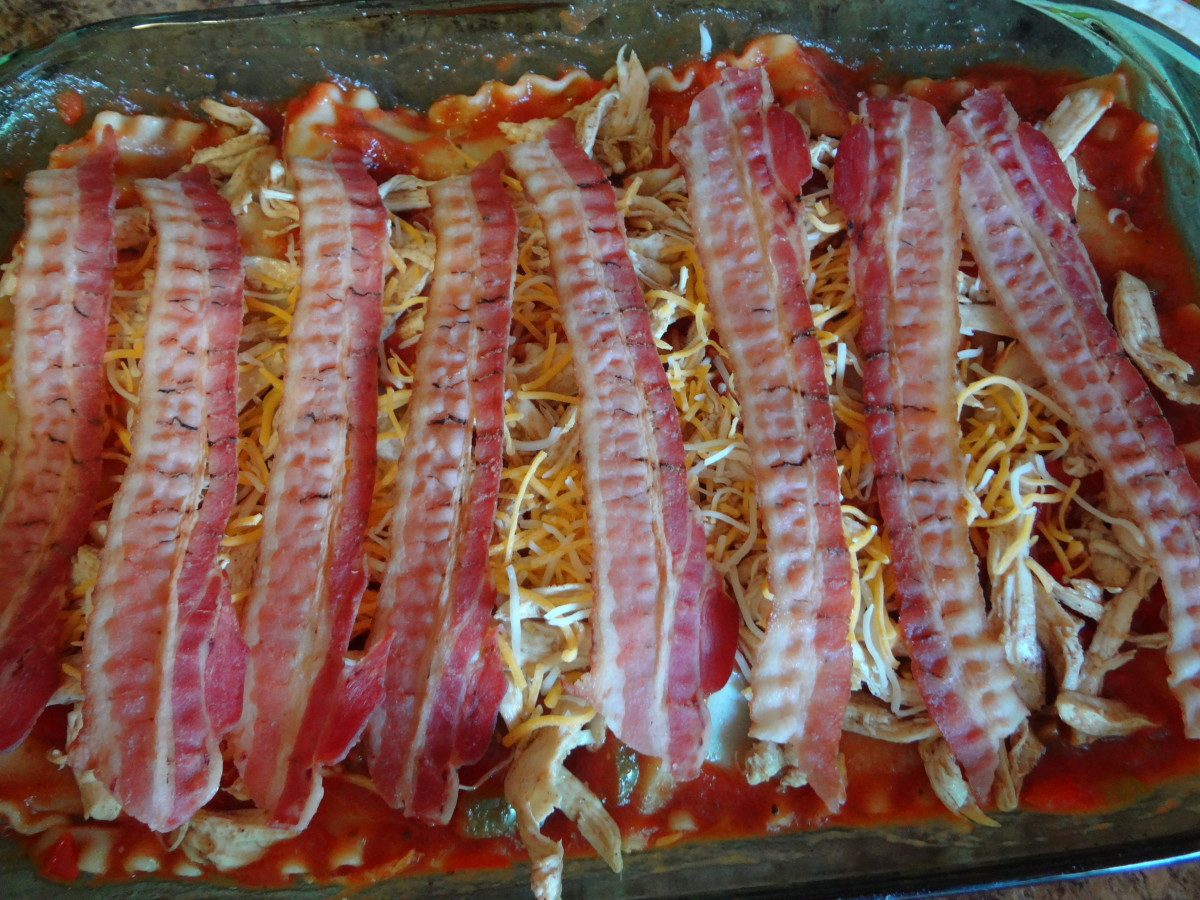 Do I smell bacon?  Top the lasagna with bacon for a unique (and delicious) lasagna creation.