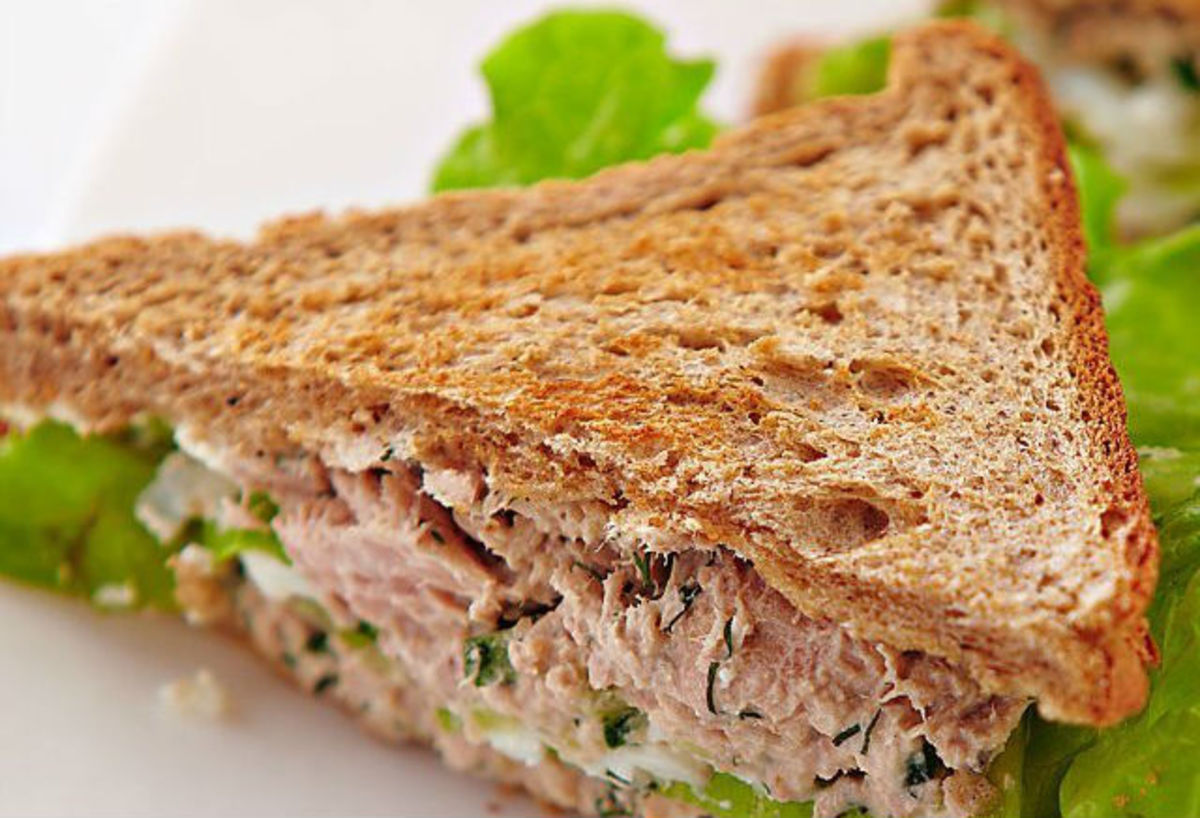 Three tuna sandwich recipes delishably for Tuna and egg sandwich