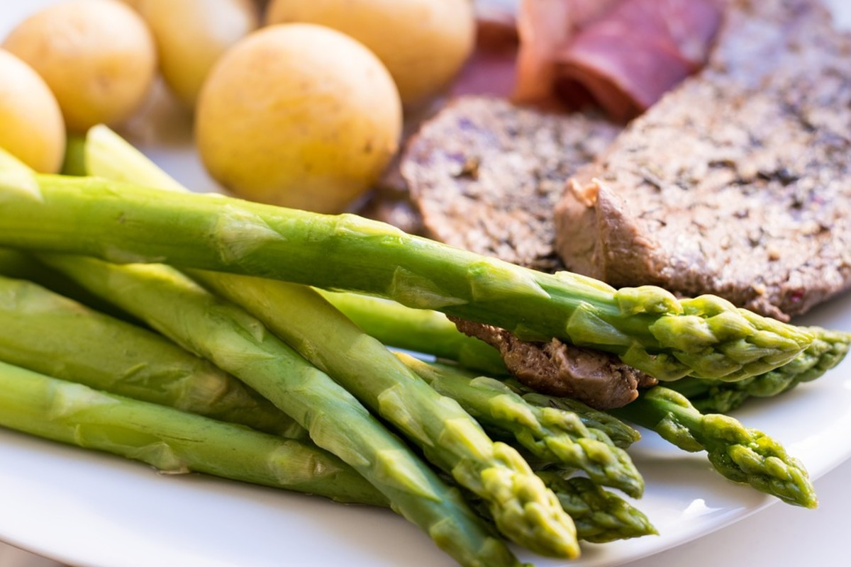 Asparagus and potatoes are great sides for a steak.