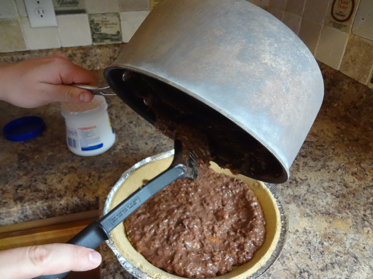 Pour the pudding into the pie crust.